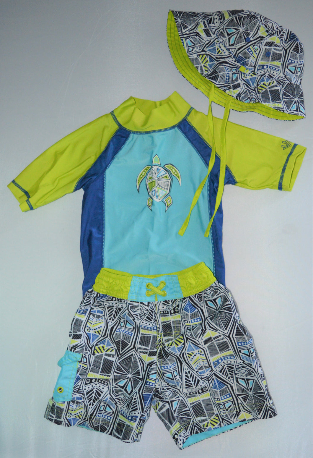 UV Skinz Blue and Lime with Turtle Matching T-shirt Shorts and Hat