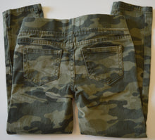 Load image into Gallery viewer, George Green Camo Pants