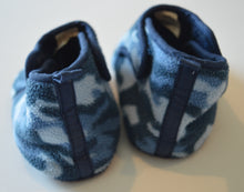 Load image into Gallery viewer, Joe Fresh Blue Camo Fleece Slippers