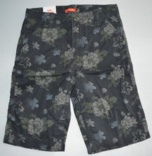 Load image into Gallery viewer, NWT Joe Fresh Green Floral Shorts