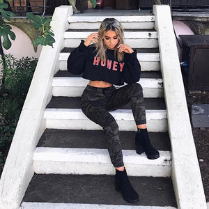 "Black Crop Top ""HONEY"" Letter Print Sweater"