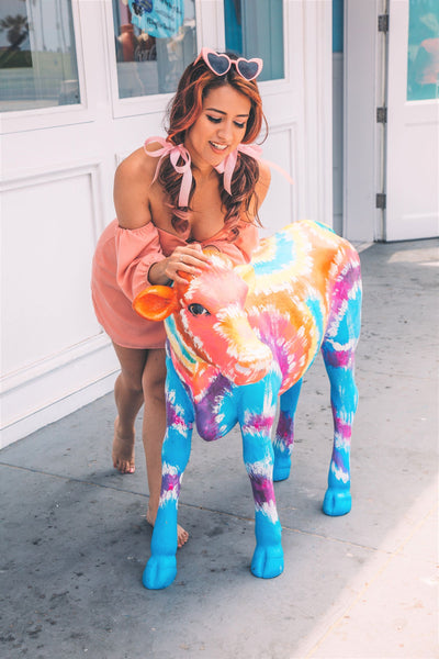 1940's woman outfit and colorful cow