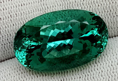 30 CT GREEN SPODUMENE GEMSTONE IGCNESP01