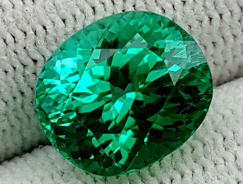 6 CT GREEN SPODUMENE GEMSTONE IGCNESP25