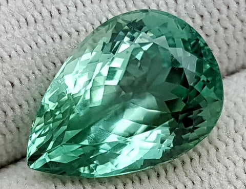 10.45 CT GREEN SPODUMENE GEMSTONE IGCNESP50