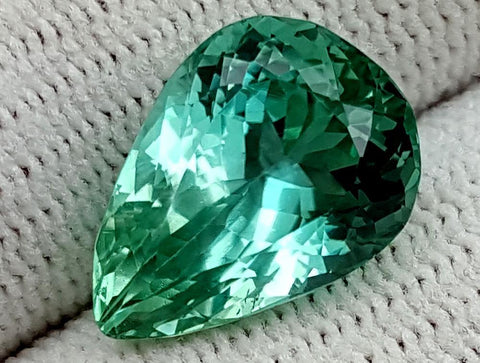 7 CT GREEN SPODUMENE GEMSTONE IGCNESP59