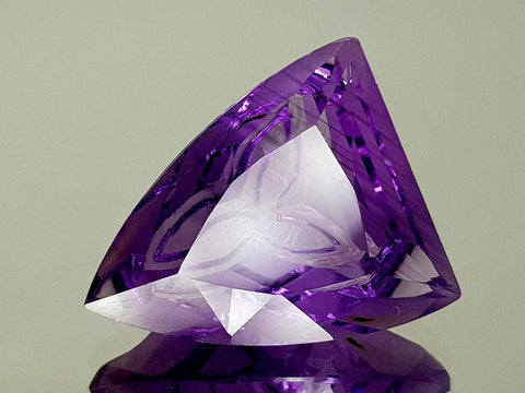 18CT NATURAL AMETHYST PRECISION CUT IGCAMPP30