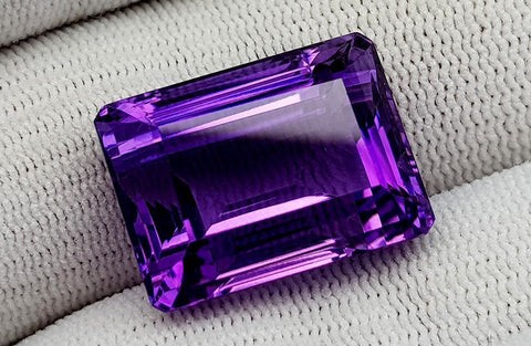 29CT NATURAL AMETHYST GEMSTONES IGCAMTH50