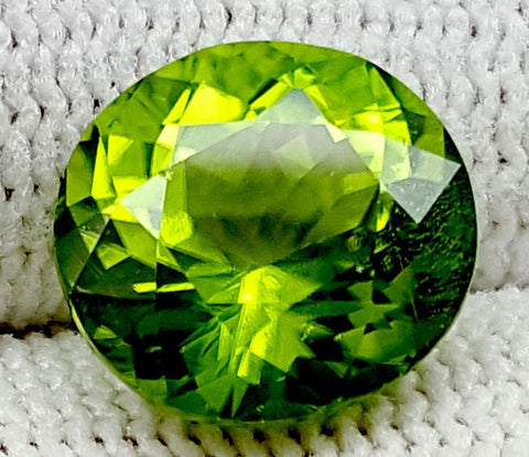 4.75CT Peridot  Of Pakistan Origin igctnpp20