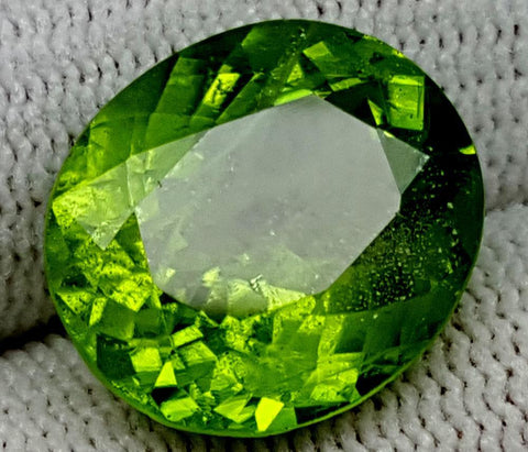10CT  Peridot  Of Pakistan Origin igctnpp65