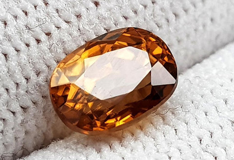 2.89 CT NATURAL ZIRCON GEMSTONE IGCTHZ32