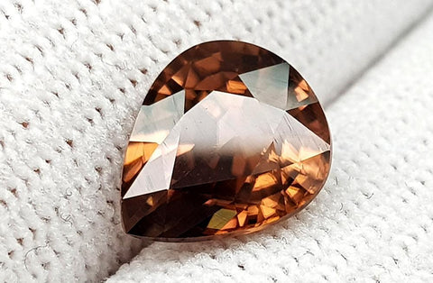 4.55 CT NATURAL ZIRCON GEMSTONE IGCTHZ37