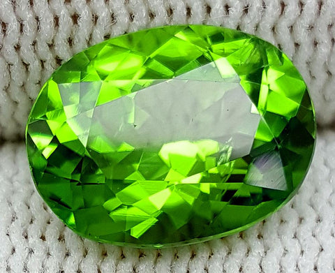4.39 CT PERIDOT BEST COLOR OF PAKISTAN IGCNOP4