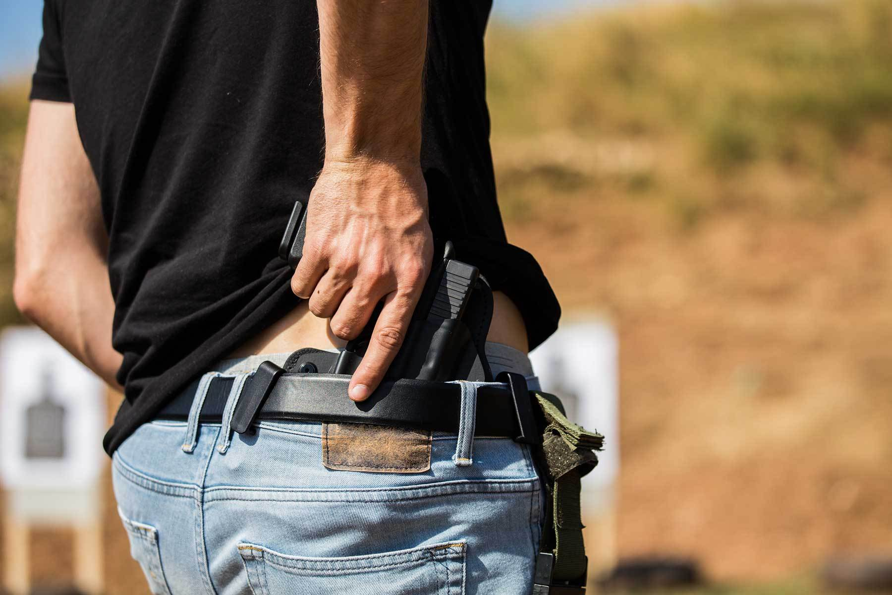 Concealed Carry Holsters A Complete Guide 2020 Updated Lyons Tactical