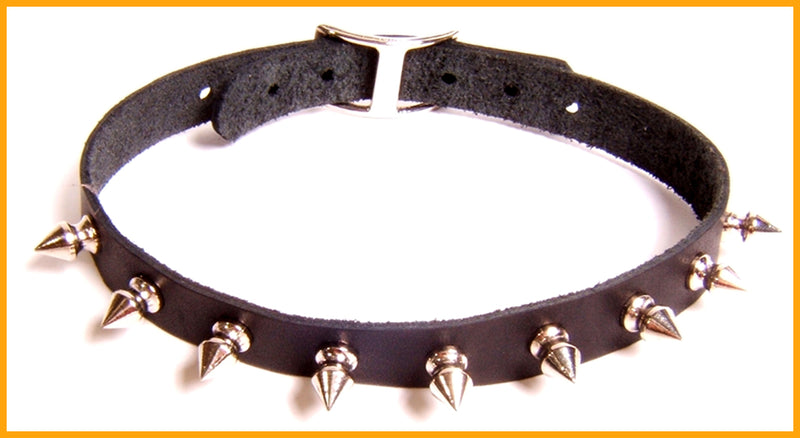 Slim black leather collar embellished with delicate spikes