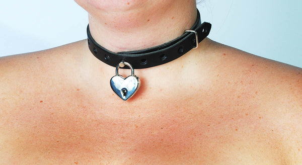 Locking Collar with Italian Heart Padlock