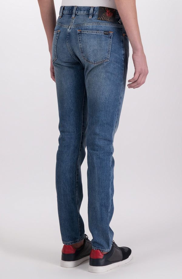 "Jeans corte Tapered ""Rigid Western Twill"""