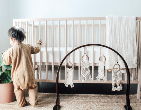 These Finn + Emma organic braided macrame toys are a 100% zero waste baby toy! Easily clip them to carseats, strollers, high chairs or the wooden play gyms.
