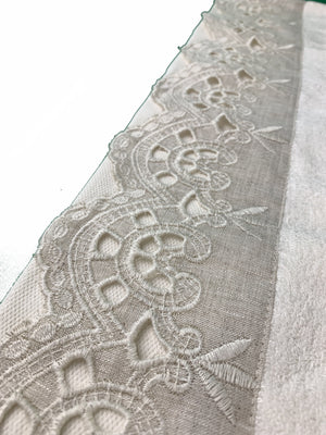 LINEN BORDER TURKISH BAMBOO TOWEL WITH EMBOIDERY