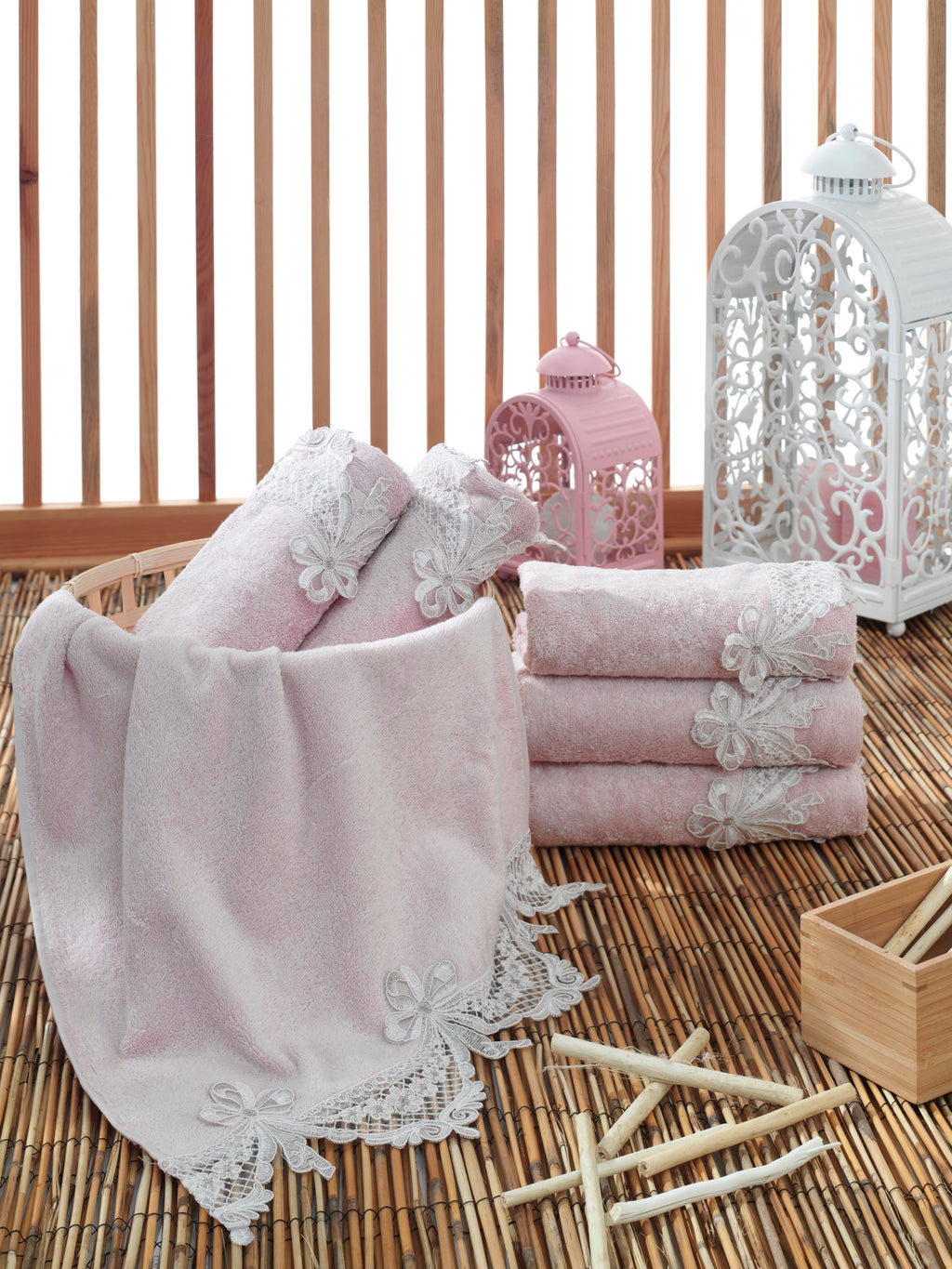 TURKISH BAMBOO ABSORBENT TOWEL WITH FRENCH GUIPURE - COTTONISH