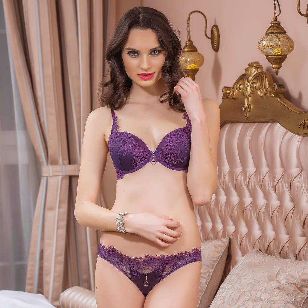 EMBROIDERY BRA AND PANTIES SET - COTTONISH