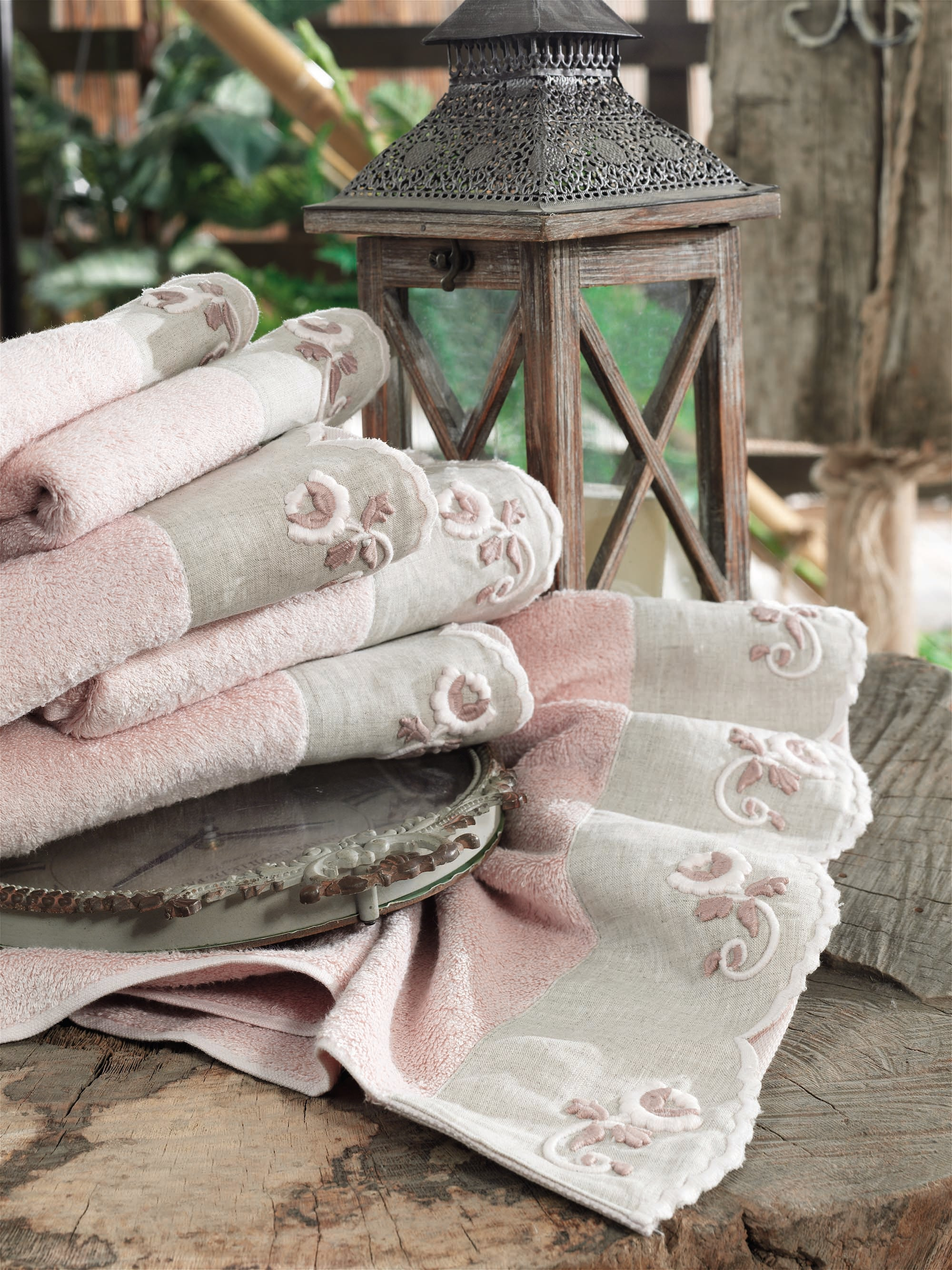 TURKISH BAMBOO ELEGANT TOWEL WITH SPECIAL EMBROIDERY - COTTONISH