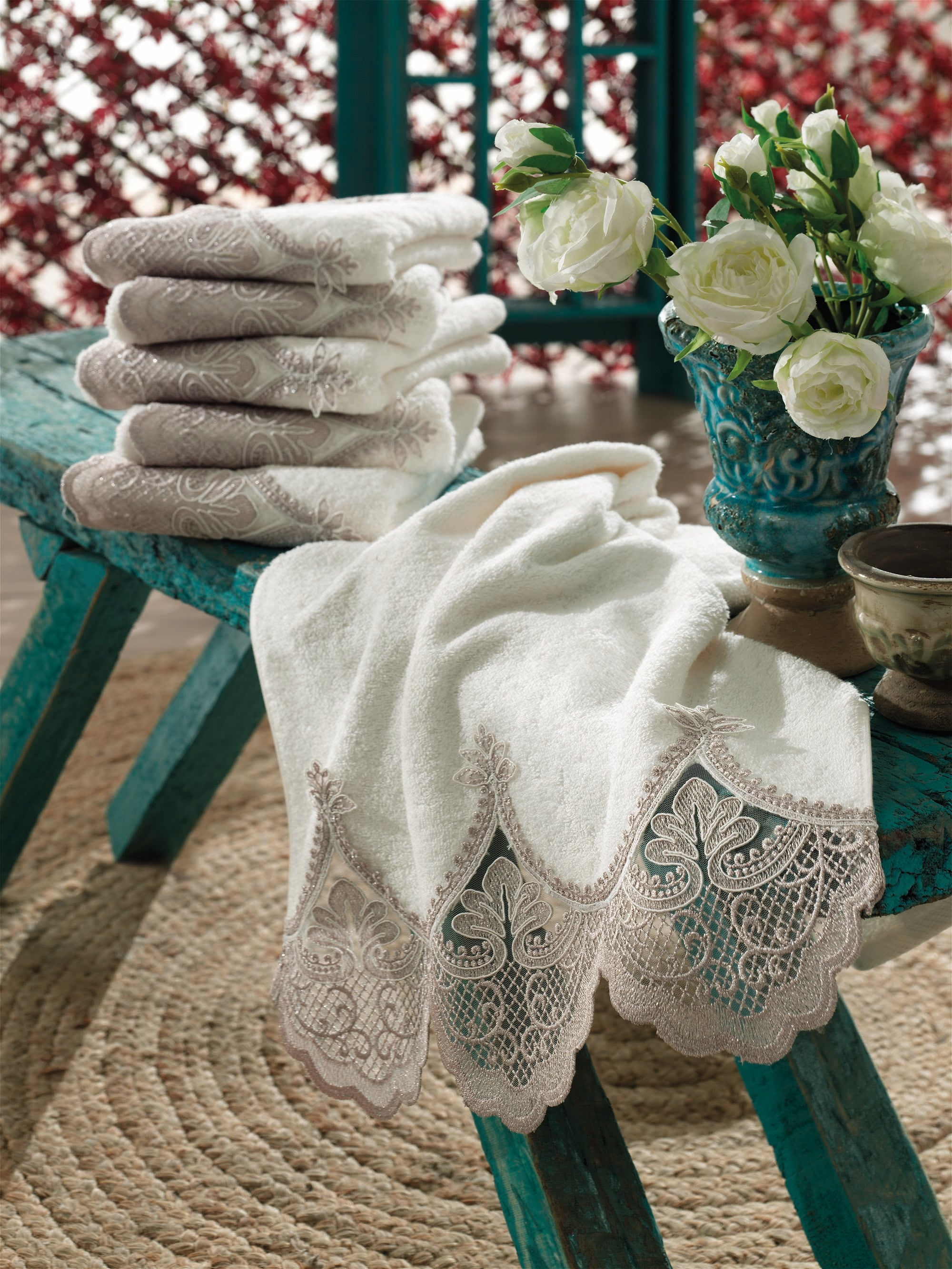 TURKISHBAMBOO TOWEL WITH FRENCH GUIPURE - COTTONISH