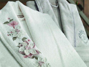 8PCS 3D FLOWERS EMBROIDERIED BAMBOO BATHROBE FAMILY SET - COTTONISH