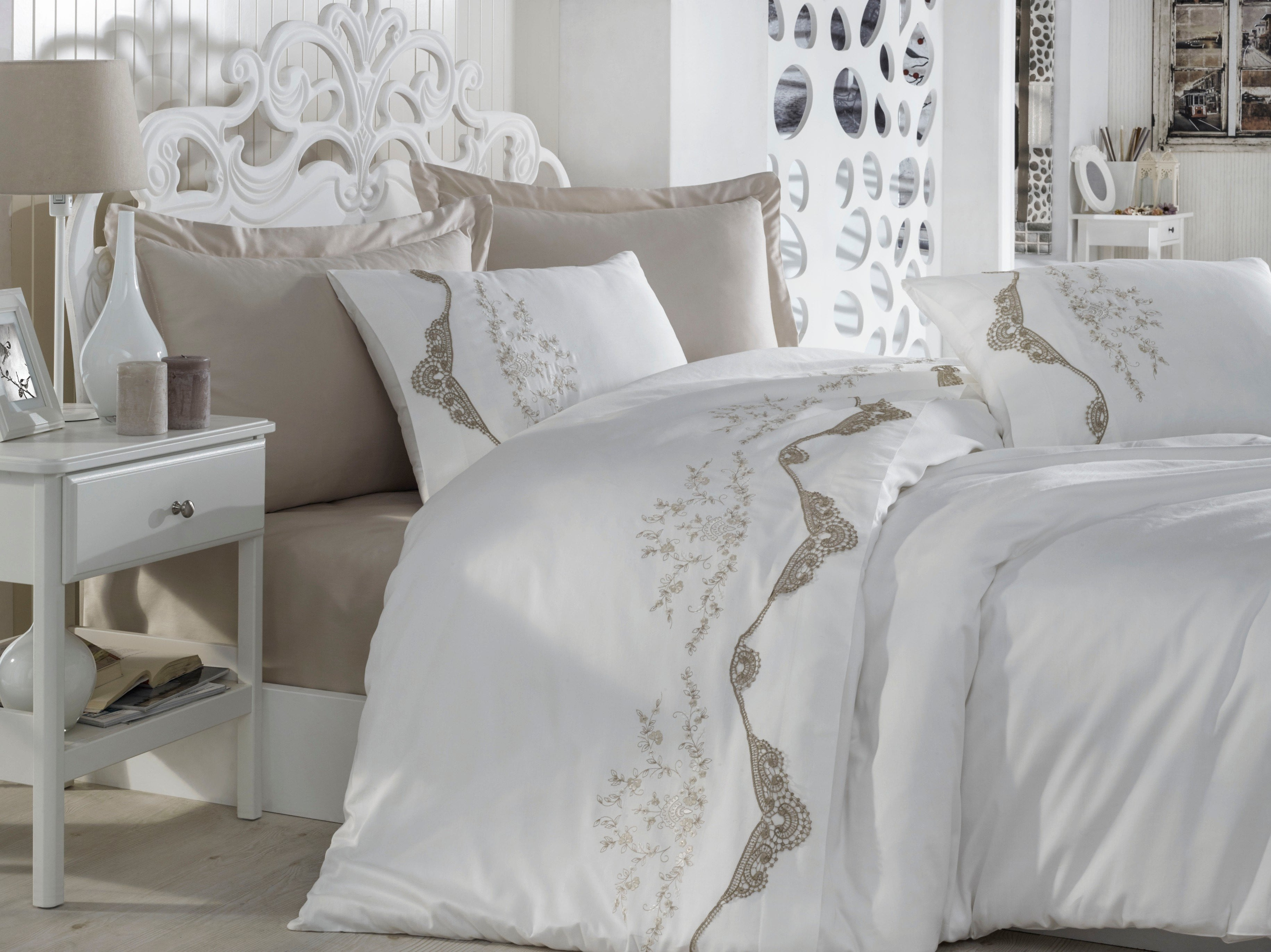 EMBROIDERIED COTTON SATIN DUVET COVER SET DECORATED WITH GUIPURE - COTTONISH
