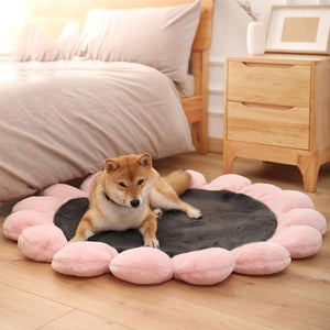 Warm Pet Bed Cute Flower Shape Cushion for Cats Dogs