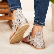 Load image into Gallery viewer, Women Anti-slip Sandals Leopard Pattern Large Size Rome Sandals