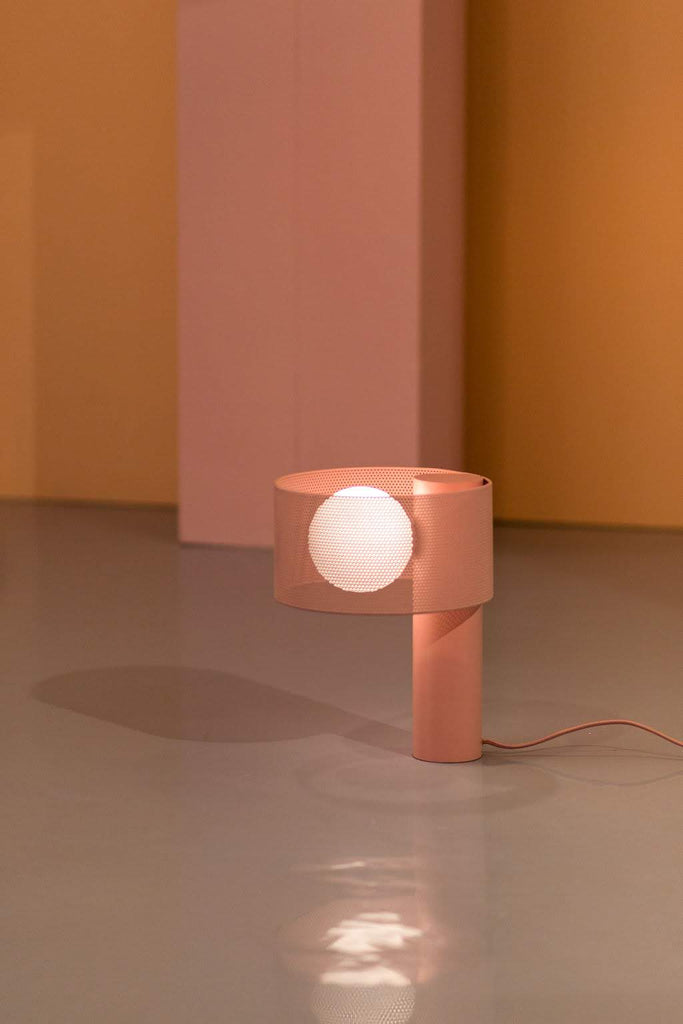 Mesh table lamp - pink