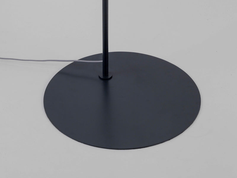 Curve floor lamp charcoal | base | houseof.com