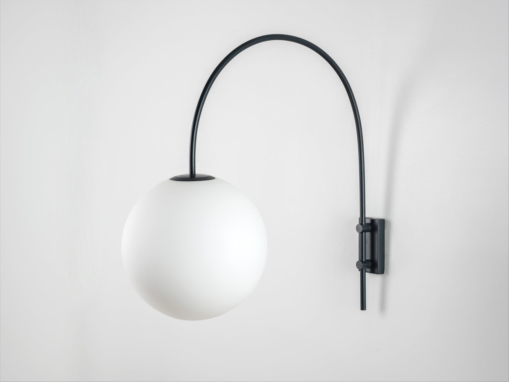 Curve wall light grey | off | houseof.com