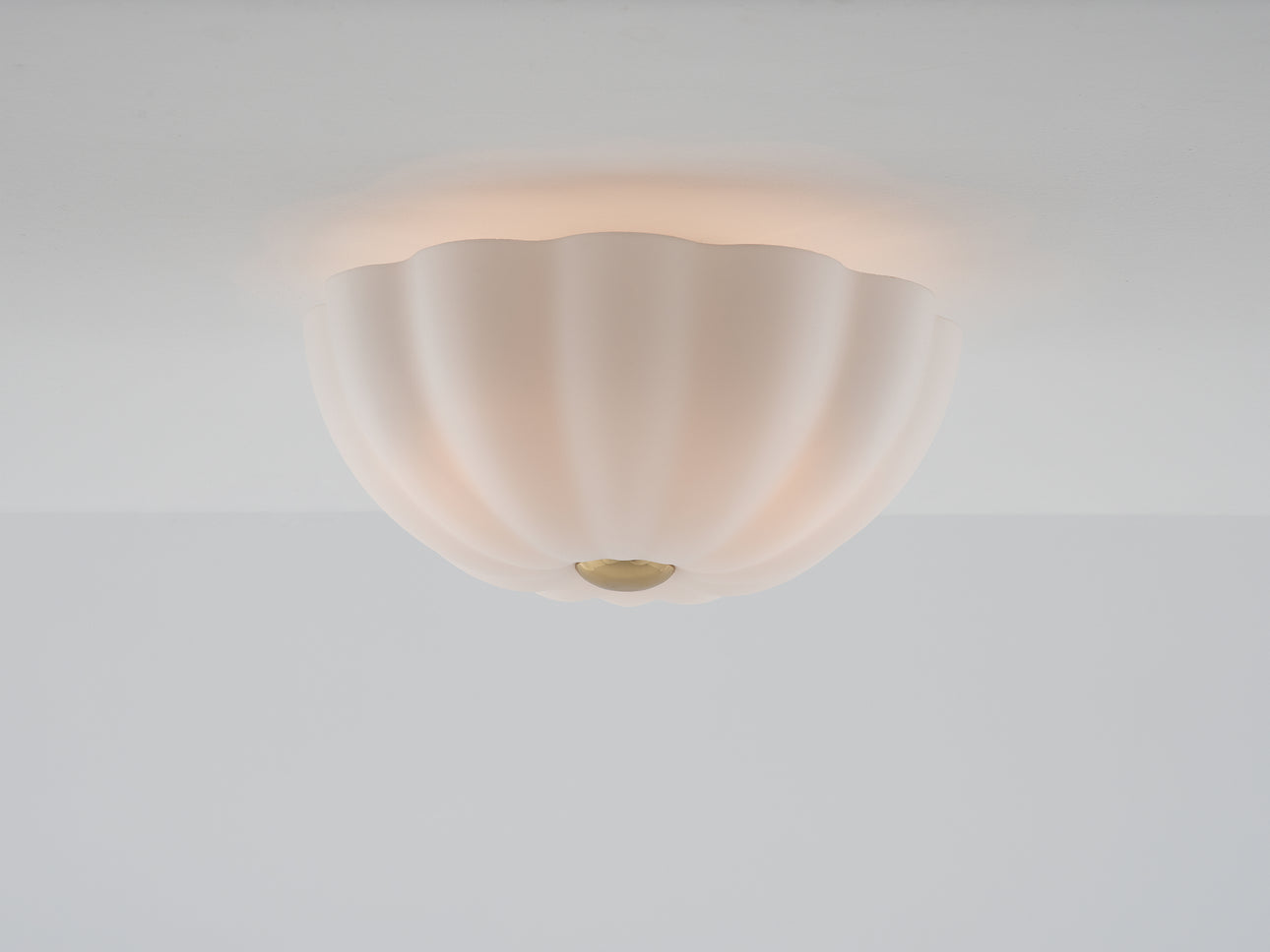 Flower flush light opal | on | houseof.com
