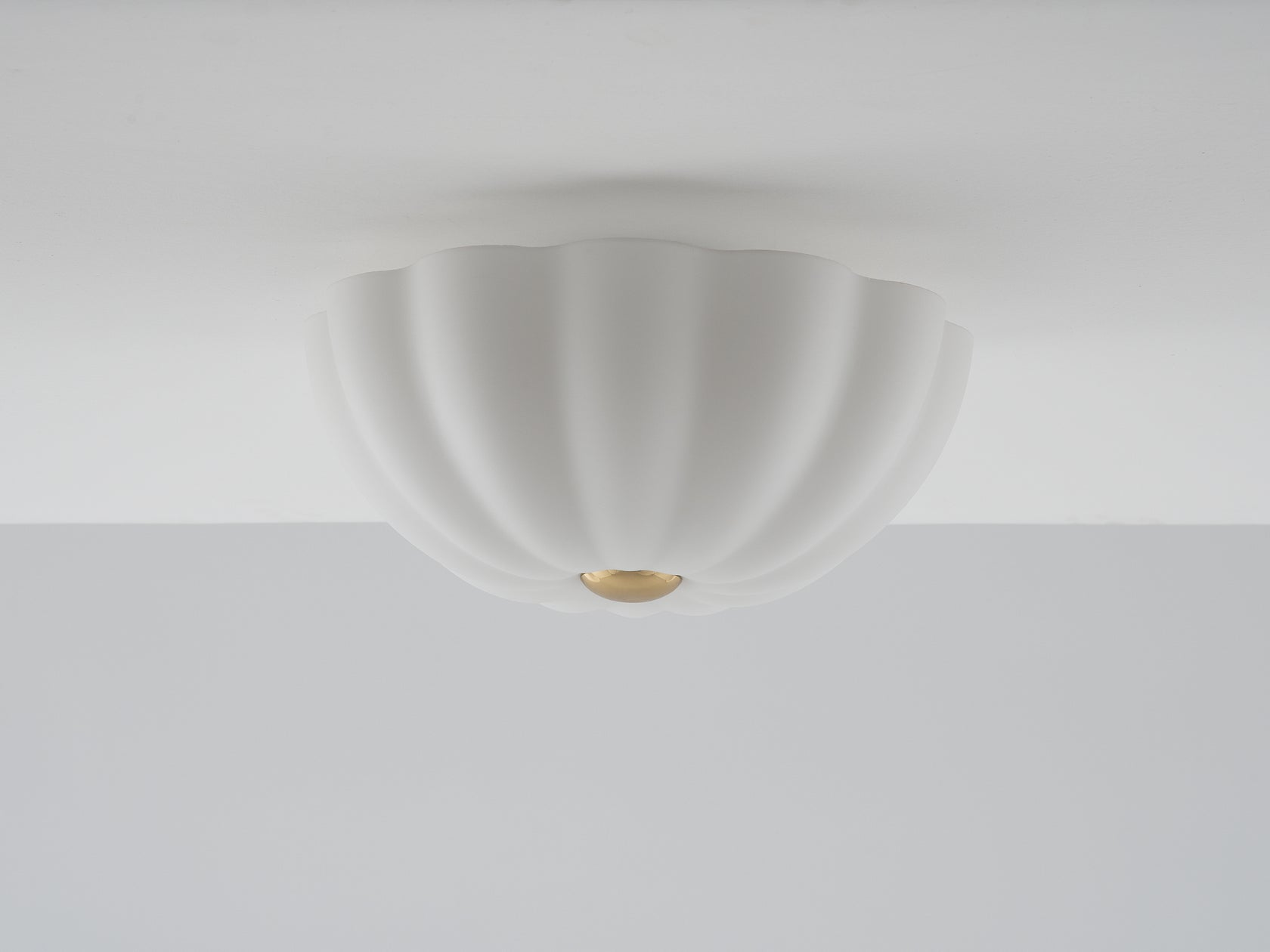Flower flush light opal | off | houseof.com