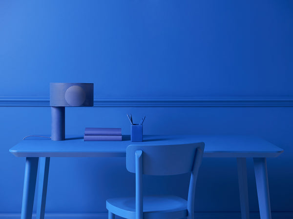 Mesh table lamp blue | context | houseof.com