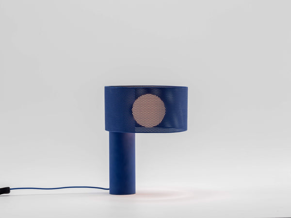 Mesh table lamp blue | on | houseof.com