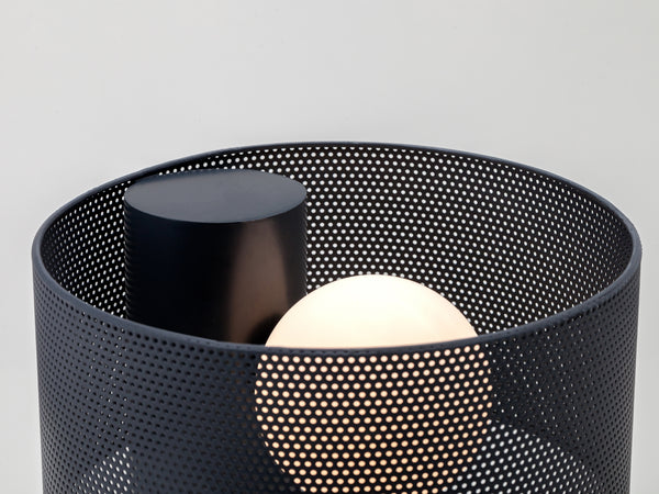 Mesh table lamp charcoal | detail | houseof.com