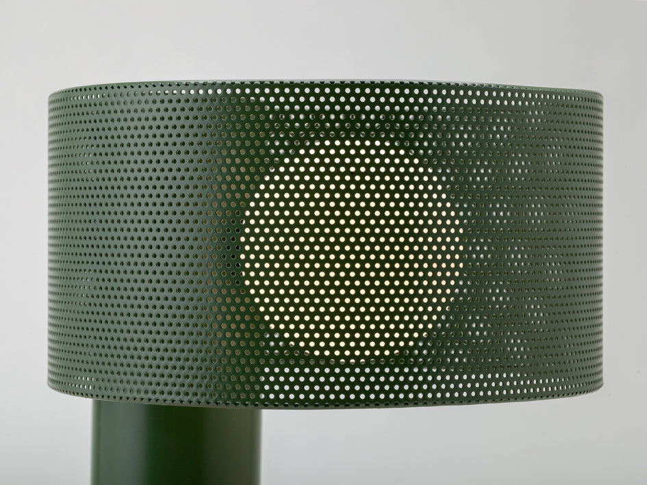 Mesh table lamp olive | zoom | houseof.com