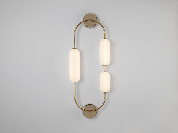 Oval wall light brass | on | houseof.com