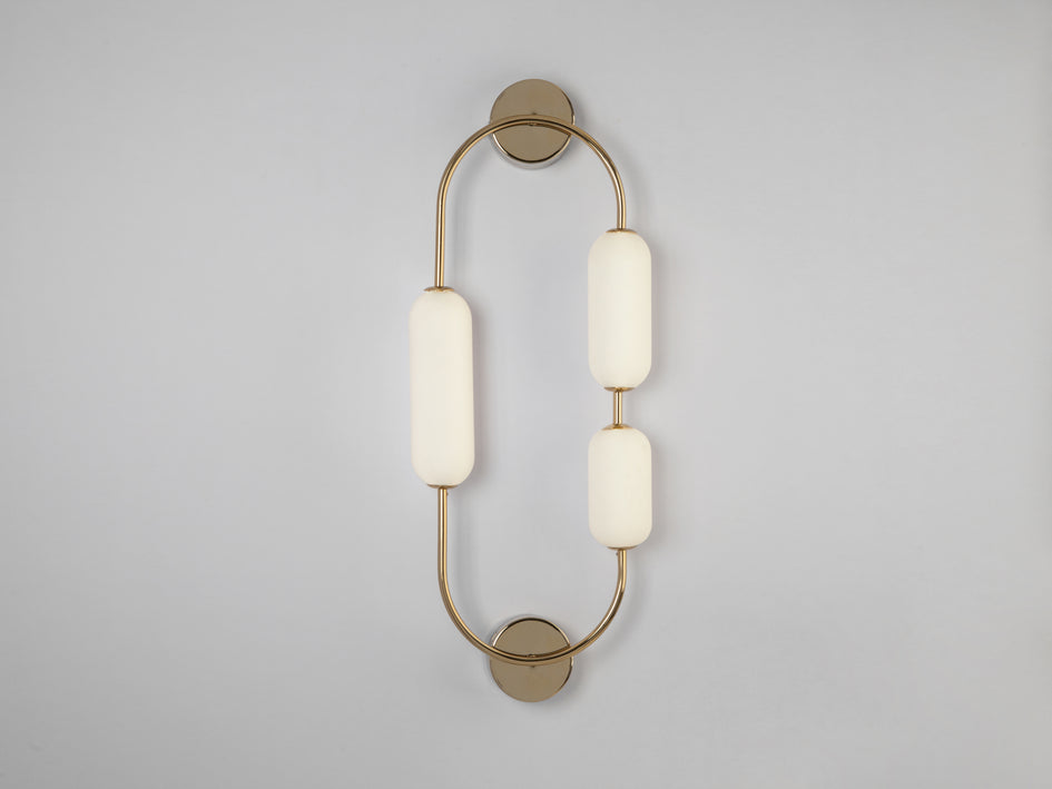 Oval wall light brass | off | houseof.com