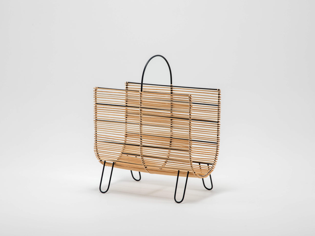 Rattan magazine rack natural | front | houseof.com