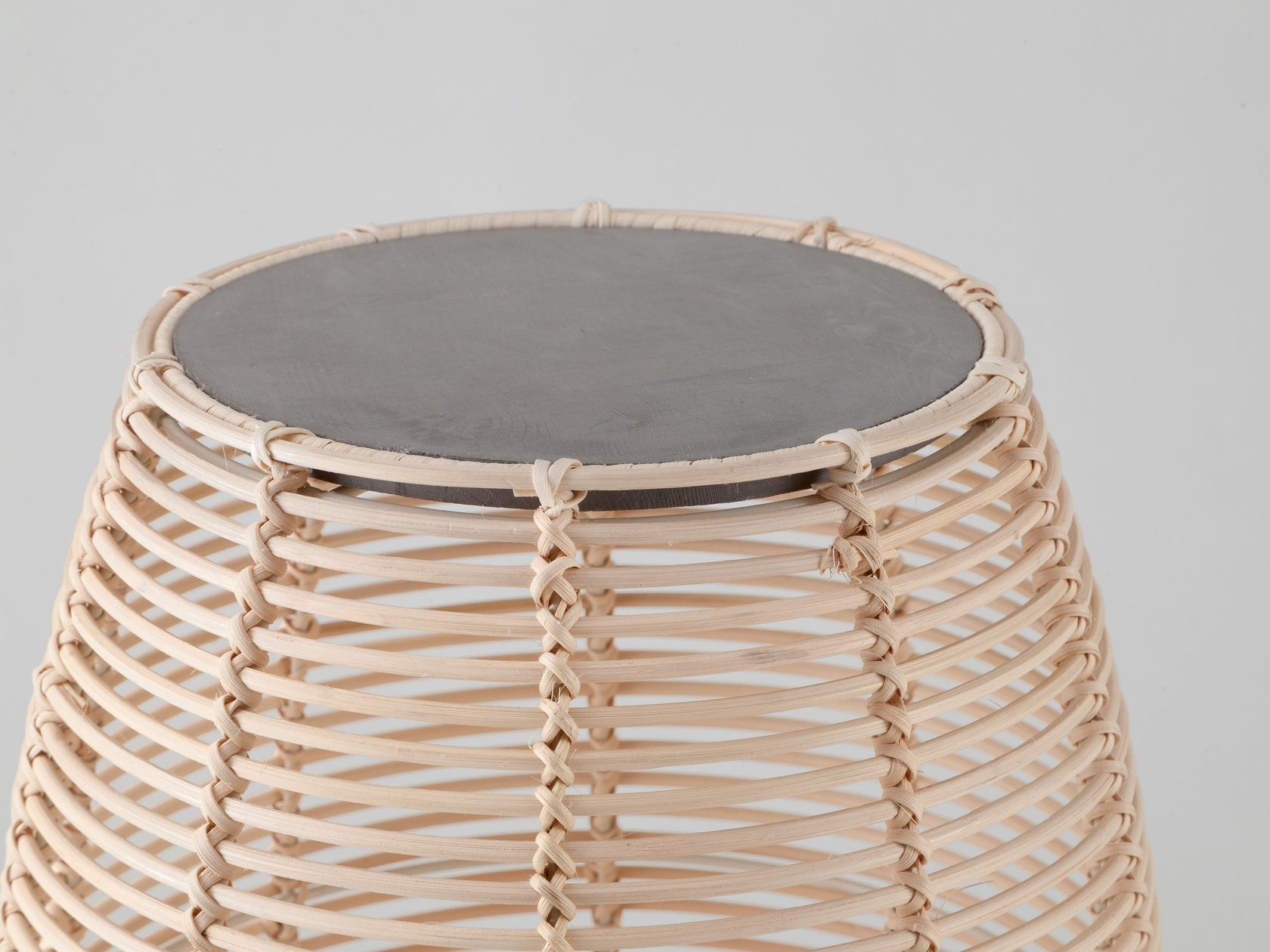 Rattan and concrete side table natural | zoom | houseof.com