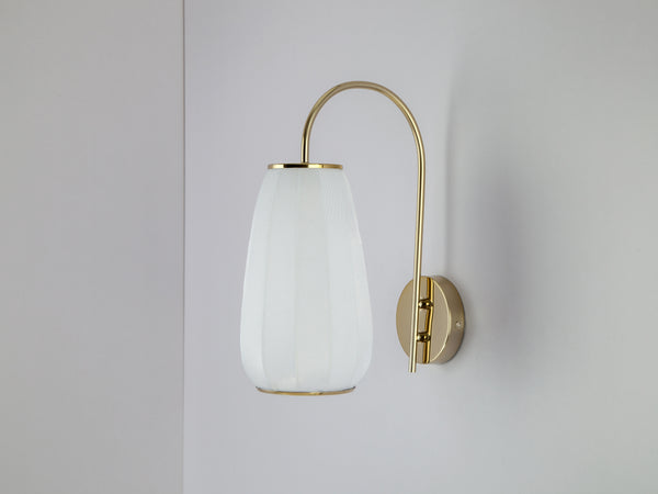 Soft fabric wall light white | off | houseof.com