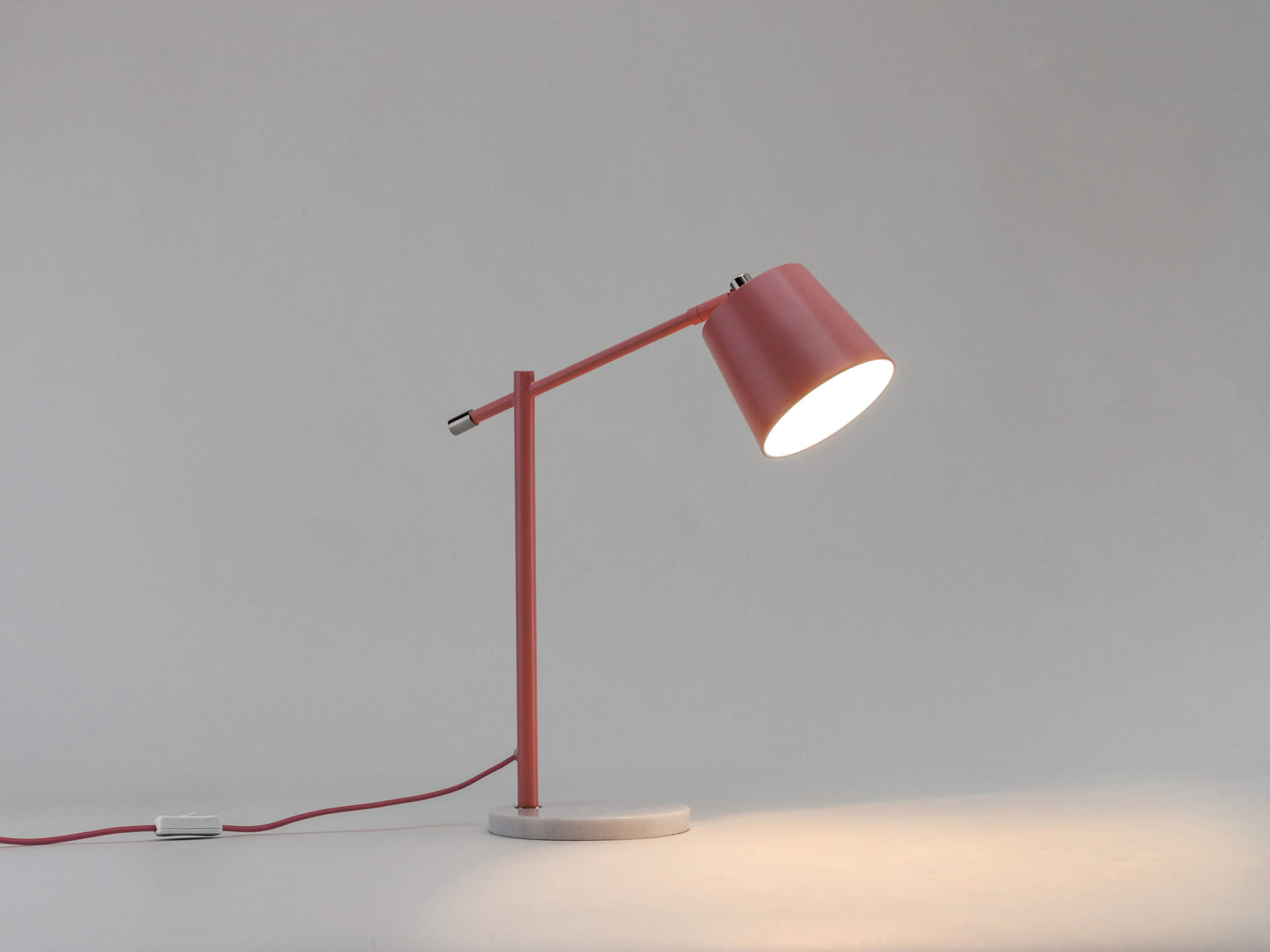 Task desk lamp pink | dark | houseof.com