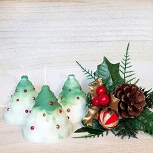 Load image into Gallery viewer, Christmas tree candles - Set of 3 [product_type] Candle Affair