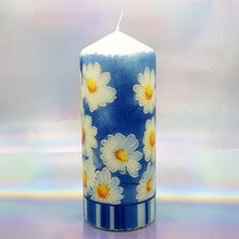 Load image into Gallery viewer, Decorative candle, Spring sunshine daisies candle, Unique table centrepiece, home decor, gift for mother, her, birthday present