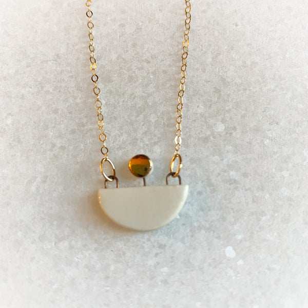 Small Boat Necklace - White (Gold)