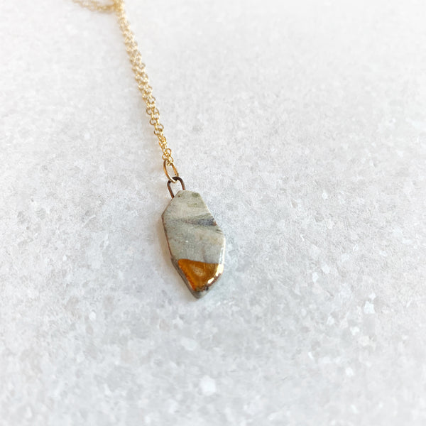 Small Abstract Shape Necklace - Marble (Gold)